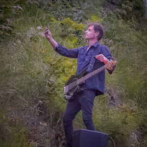 Sebastian Frisch am Bass